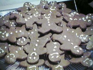 [gingerbread guys]